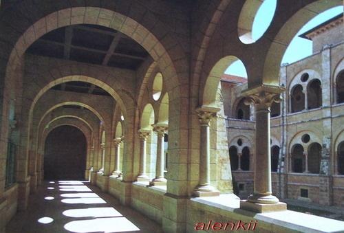 Это мужской монастырь в Латруне - 2