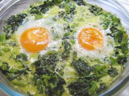 Нелличка, сегодня приготовила на завтрак Яйца на шпинатной подушке, предлагала своим, не хотели, сд...