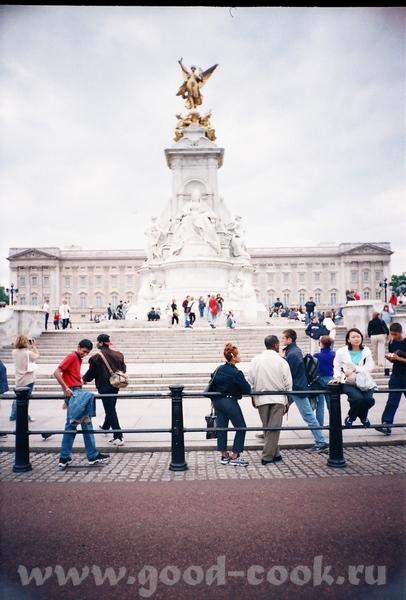"""еще одно место """"паломничества"""" туристов - Букингемский дворец, конечно - 3"""