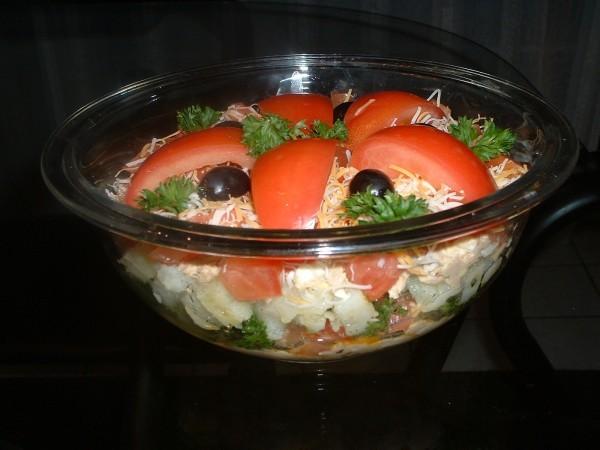 А вот еще один салатик с тунцом называеться Венеция тунец консервированный - 1 банка картофель отвр...