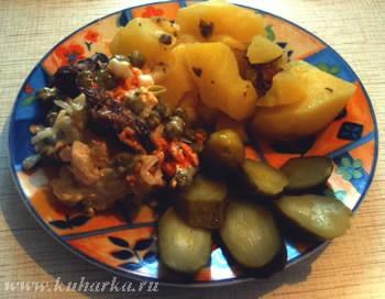 У нас был картофельный супчик (скорее у меня и у сына), картошка с тушонкой со шпротным салатиком о... - 2