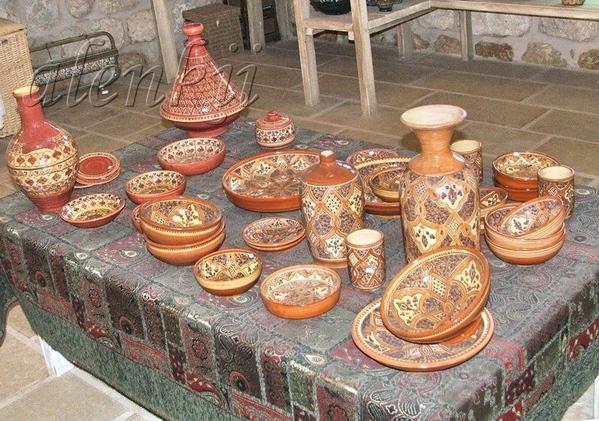 Свою прогулку начали с магазина керамических изделий - 2