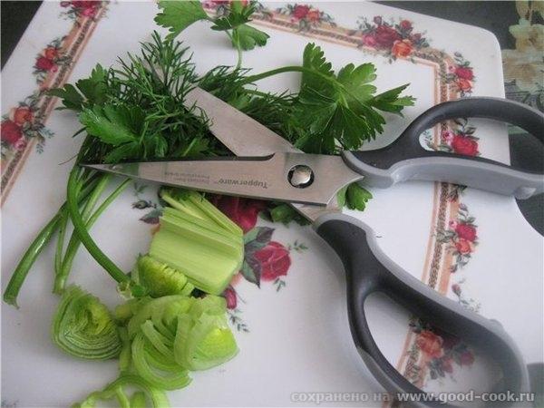 Корень сельдерея и лук порей (зелень и лук удобно нарезать ) - 4
