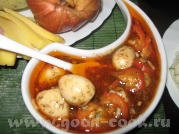 Маринованные яйца и болгарский перец Для маринада: масло растительное, томатная паста, лимонный сок...