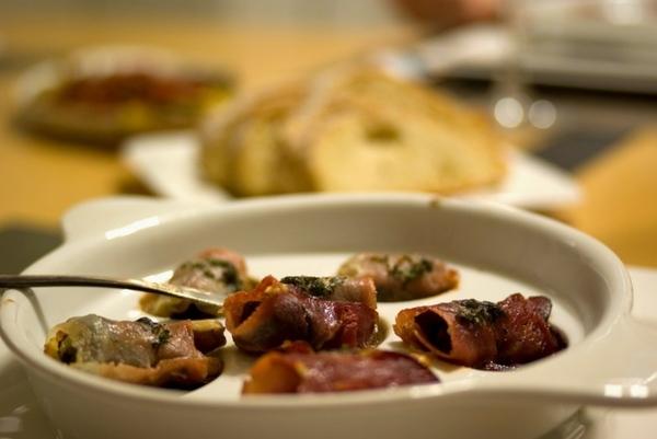 Виноградные улитки с Пармской ветчиной и грецкими орехами