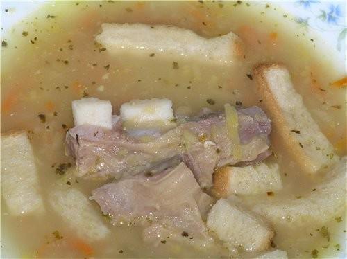Сегодня в мультяшке варила гороховый суп с говяжьей грудинкой 1-2 стакана гороха (в зависимости от...