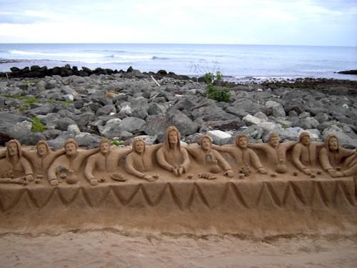 Можно вспомнить детство и покопаться в песочке Любителям активного отдыха предлагается поиграть в ф...