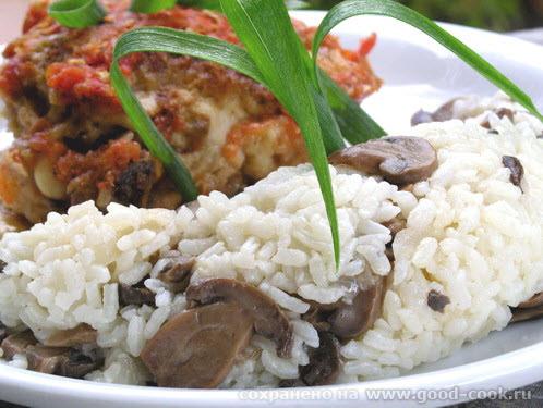 Рис с грибами Ризотто 1 баночка консервированных грибов 1 луковица 1,5 стакана риса 3 стакан воды с...