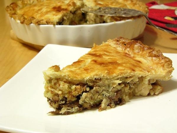 Киш-перевёртыш, или картофельная запеканка с курицей и грибами