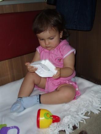 Благодаря нашим девочкам форумчанкам, у Аленки (а так же у нашего папы) было чем заняться в поезде - 2