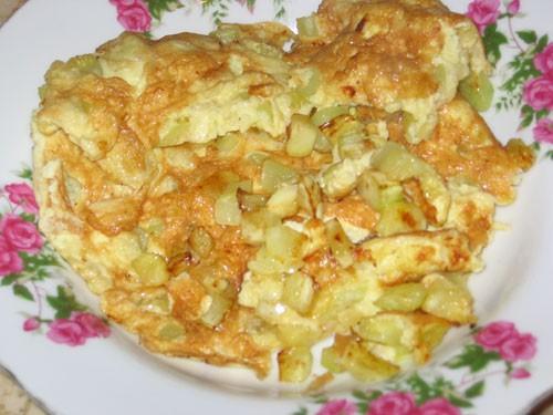 Кабачки с яйцами