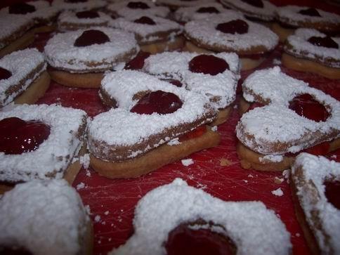 """печенье """"сендвич"""" (рецептик от Карин Горен из книги """"шешет"""") 200гр сливочного масла 100гр сахарной..."""
