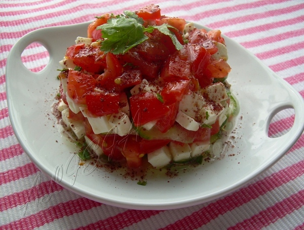 Tакой салатик я вчера соорудила себе на обед, мне он очень понравился легкостью и замечательным сое...