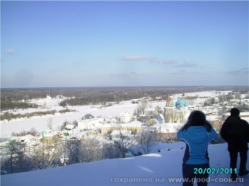 Гороховец - городок сховавшийся (спрятавшийся) под горой Это мой сынуля пишет кириллицей грамоту А...