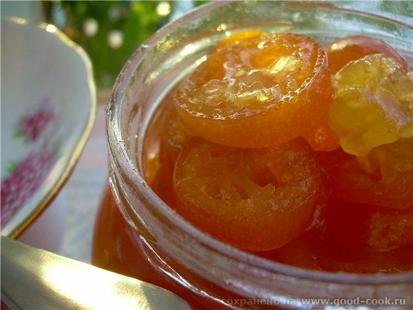 - Небольшой экзотический фрукт оранжевого или оранжево-жёлтого цвета, по виду напоминающий мелкий а... - 3
