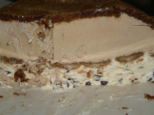 И ещё Итальянский тортик-мороженное из печеней Савоярди и разрез его 2-х слойный: 1-й слой с кофе,... - 2