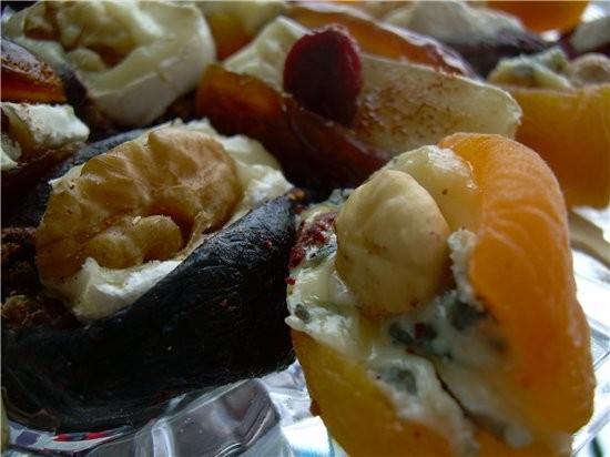 Десертная закуска Финики, Курага и Инжир с сыром Бри и Рокфор Финики крупных сортов «Султан» курага... - 3