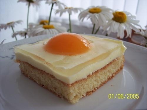 Вот мой тортик, рецепт в немецкой темке, в переводе с немецкого торт называется Яичница и вразрезе - 2