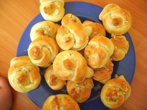 Закусочные булочки с чесноком и петрушкой