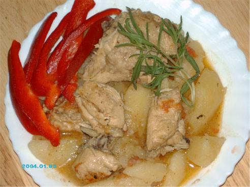 а я сегодня не готовила много - сделала Соус-жаркое из курицы, к нему полагается рис, но я решила с...