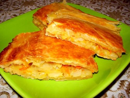 Попробовала пирог от Irena с розового форума-вкуснючий,начинку делала из тушёной капусты+морковь и...