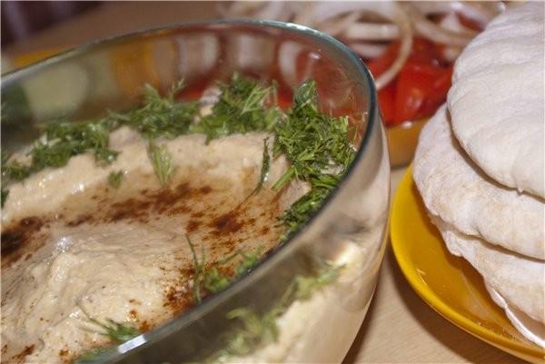 А у нас вчера был Ужин в арабском стиле с хумусом по рецепту Вики (Serafima), питой, свежими овощам...