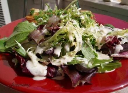 А у нас вчера на обед была жареная форель (назовем ее Батерфляй с чесночком) и салат политый моим с... - 2