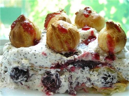 Торт-рулет с малиной Маковый торт с вишней Черно-белый торт с мандаринами - 4