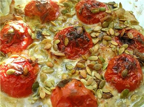 Запеканка из куриного филе с грибами и помидорами