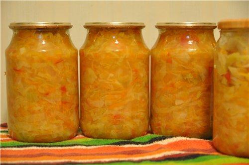 Заправка для щей Нужно: 1 кг помидоров 1 кг сладкого перца 1 кг лука 1 кг моркови 1 кг капусты 100... - 2