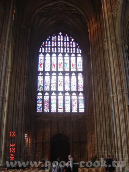 главные действующие лица: король Генрих II, архиепископ Кантерберийский Томас Бекет