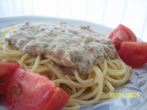 """Вот наш обед """"шпагети с нежным рыбным соусом"""" от и пирог изпекла с розового форума от Двух слойный..."""