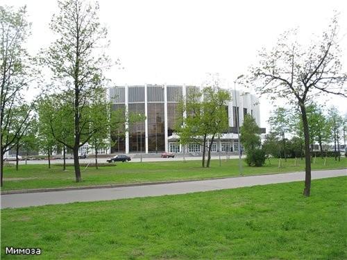 """Напротив собора находится Дворец спорта """"Юбилейный"""", недавно отметивший свое 40-летие Вот и подошла..."""
