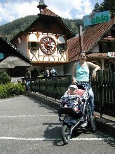 а мы летом были у родственников на юге Германии, Schwarzwald, очень красивые места там