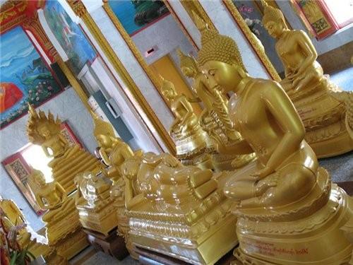 в одном из храмов