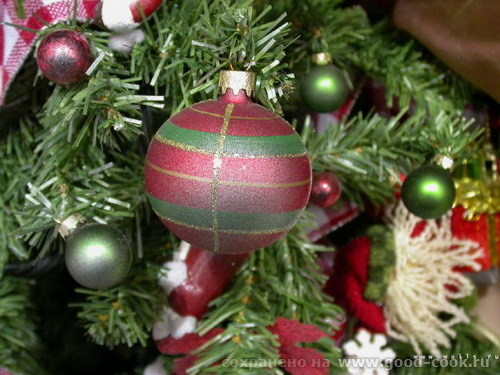 Пусть декабрь серебрится порошею, Запорошит любую пургу, Я желаю вам только хорошего В наступающем...