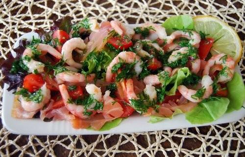 Вот парочка вкусных и простых в приготовлении салатиков