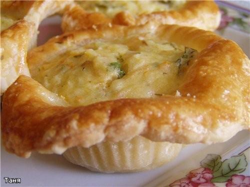 Корзиночки с тунцом и овощами Пирог-кольцо с мясом и яйцом