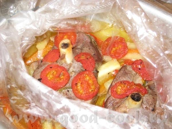 Баранина, запечённая в рукаве на овощной подушке Нам понадобиться: баранина (у меня тазобедренная ч... - 7