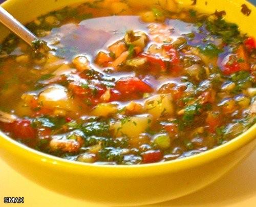 Густой овощной суп с цыпленком Состав: пол цыпленка; 2л воды; шампиньоны 3 шт