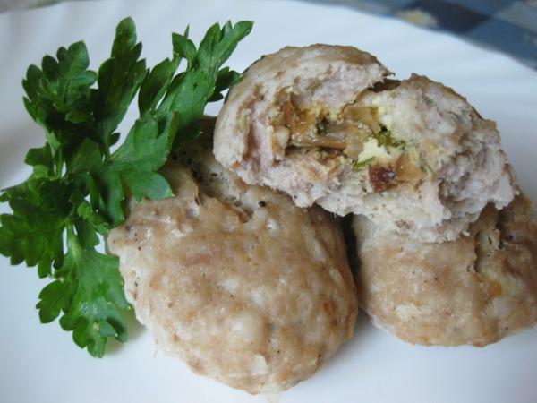 Мясные зразы с яйцом и луком (паровые или жареные)