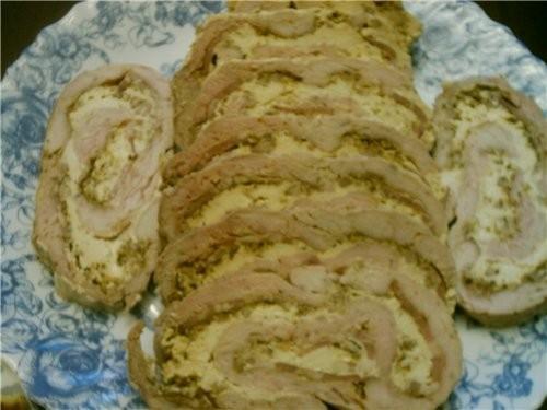 Рулет из филе индейки с сыром и копченой грудинкой 500гр филе индейки,нарезать на пласты 5см 200гр...