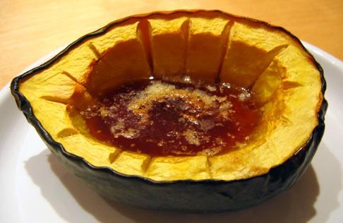 Мамуль, подскажи непутевой дочери: acorn squash - это к кабачкам или как тыкву лопать