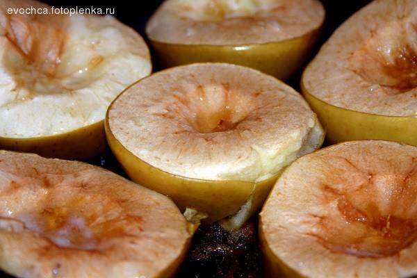 Гарнир к горячему - запеченные яблоки