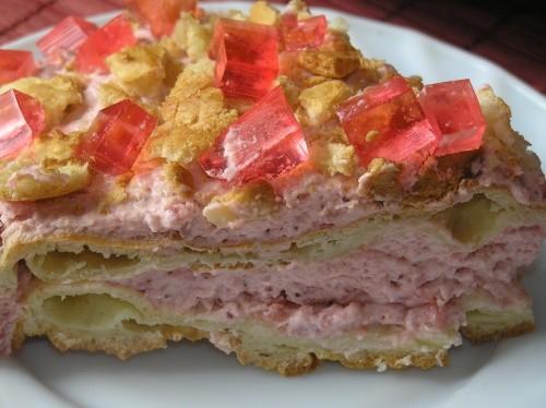 Сейчас сезон клубники, поэтому тоже покажу несколько клубничных тортов Обсыпной торт с клубничным к... - 2