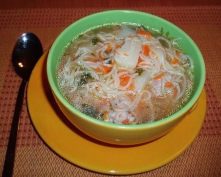 Суп с куринными фрикадельками Весенний супчик от моей свекрови Капустный супец