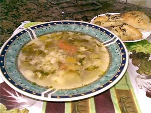 Супчик куриный с овощами и пастой-сердечеками 2 куриных окорочка большая морковь 2 картофелины полп...