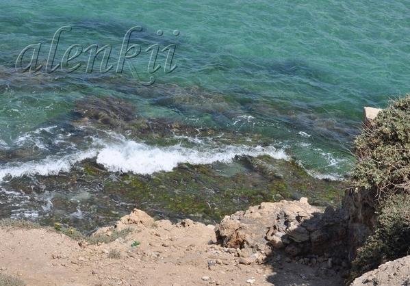 Стоя на вершине ракушечной скалы, обозреваем захватывающие картины моря и островков, волн и побереж... - 9