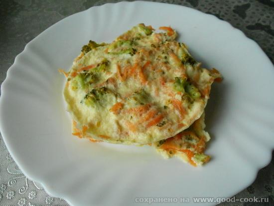 омлет с брокколи и морковью