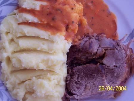 наш вчерашний ужин, кортофельное пюре с мясом и булочьки от